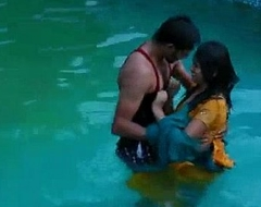 Paramours hot romance in swimming pool