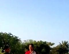 desi municipal bhabhi saree lift love tunnel show in public