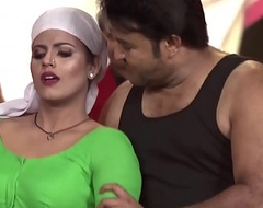 Hot Mallu Actress Iniya Bottomless gulf Omphalos Dance