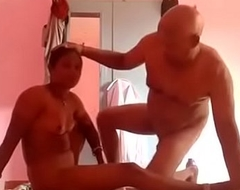 tamil Sexy-desi-maid-giving-hot-blowjob-for-money